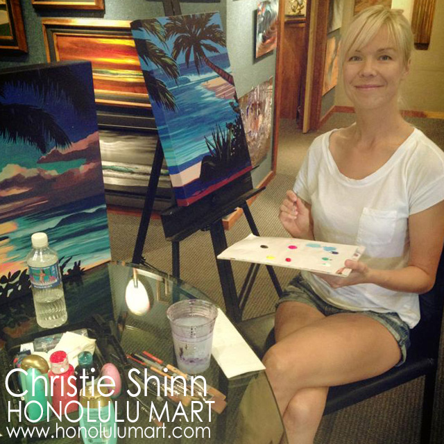 ワイランドギャラリーズで絵を描くクリスティ・シンの写真