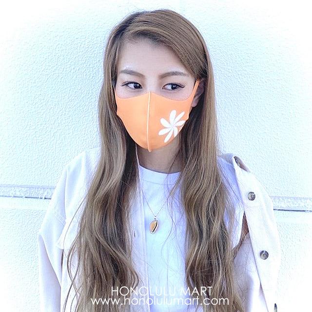 マスクコーデの写真(ティアレの花柄オレンジ)4